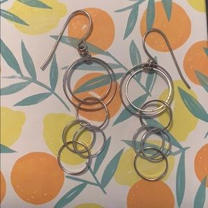 Jewelry - Dangling circle earrings